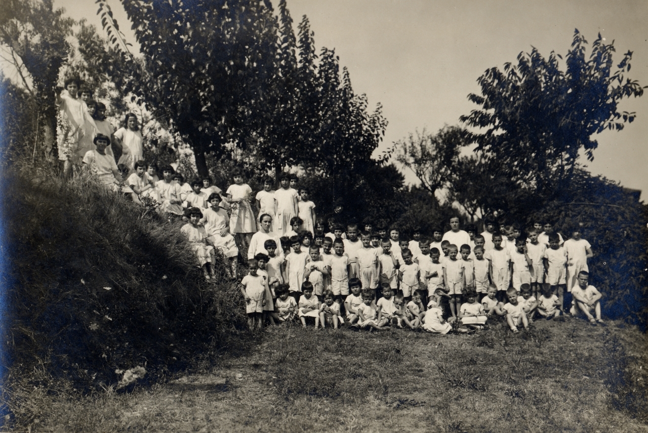 1933, colonia di Oleggio
