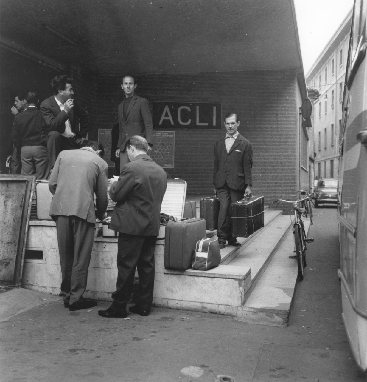 Gruppo di immigrati, 1965