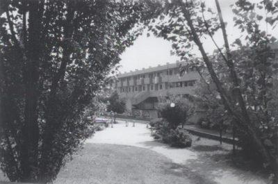 Il complesso di Pantigliate (La città ideale. 1879-2004. 125 anni di cooperazione, 2004, p. 148)